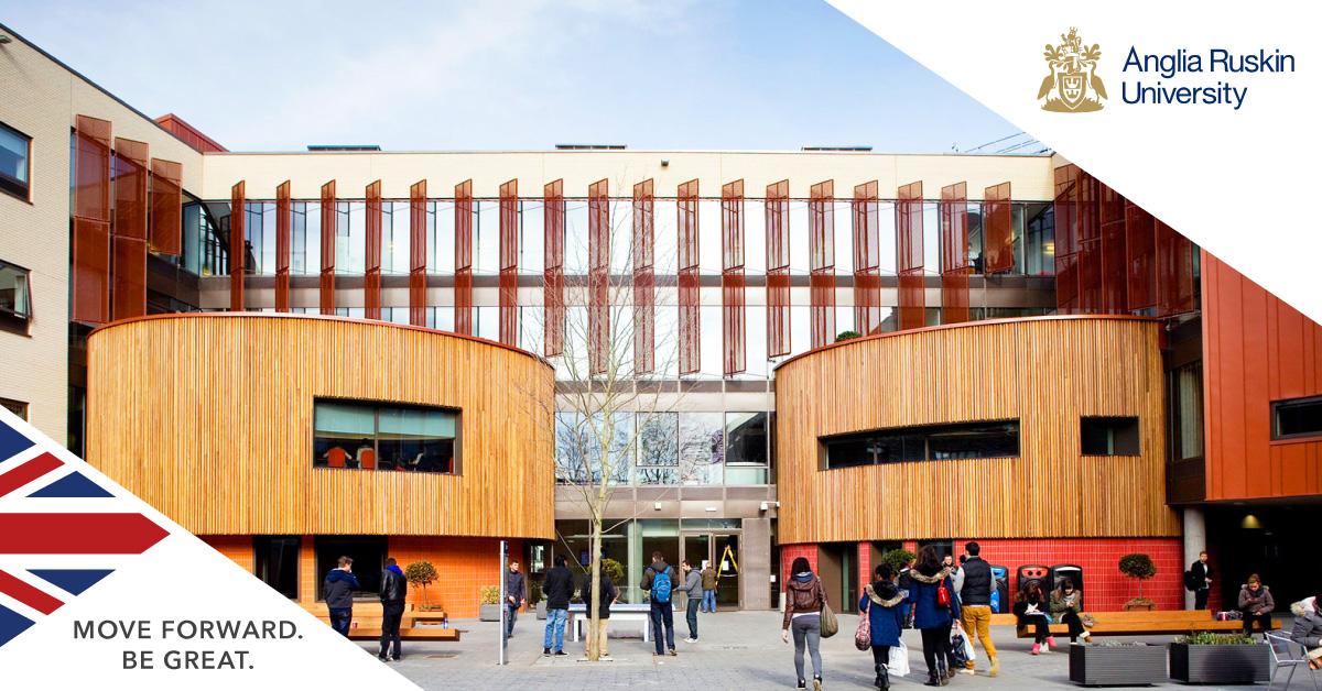 英國安格里亞魯斯金大學