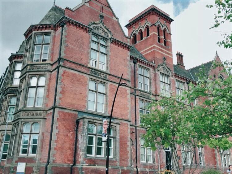 英國雪菲爾大學醫學院