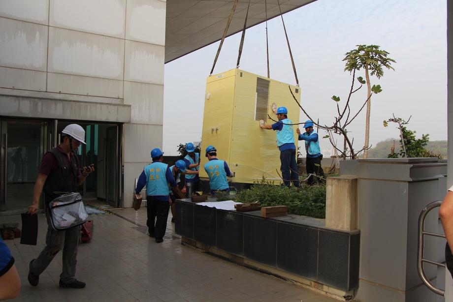 高雄15噸吊卡車